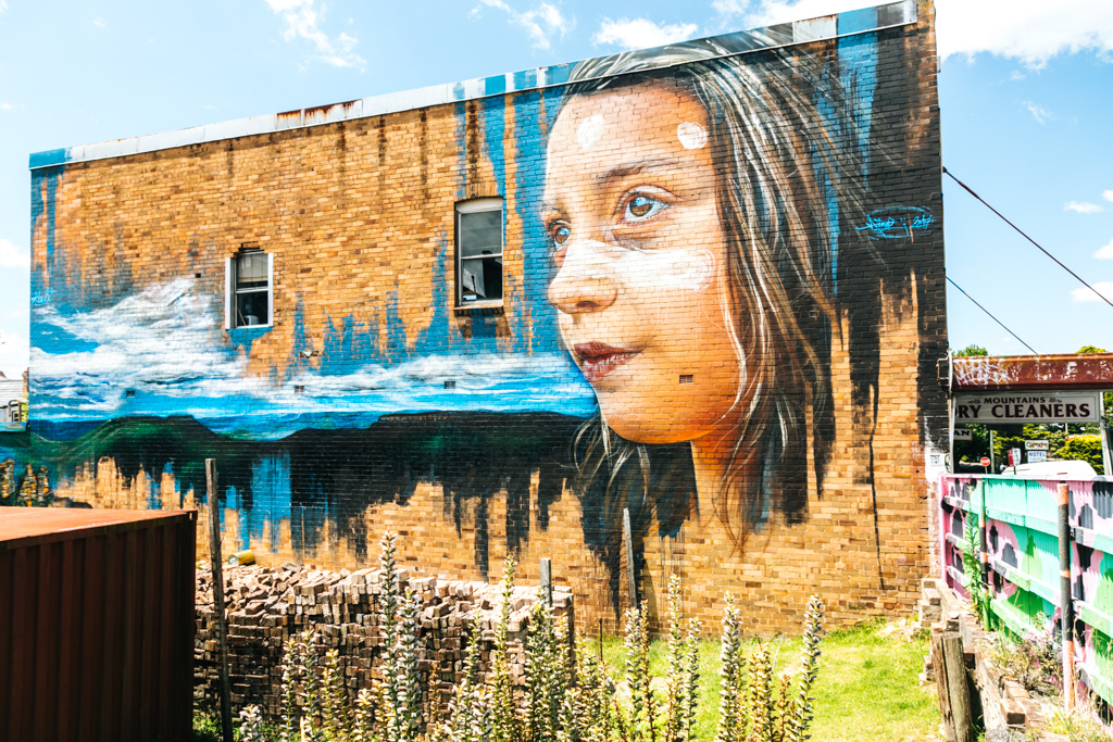 blue mountains street art